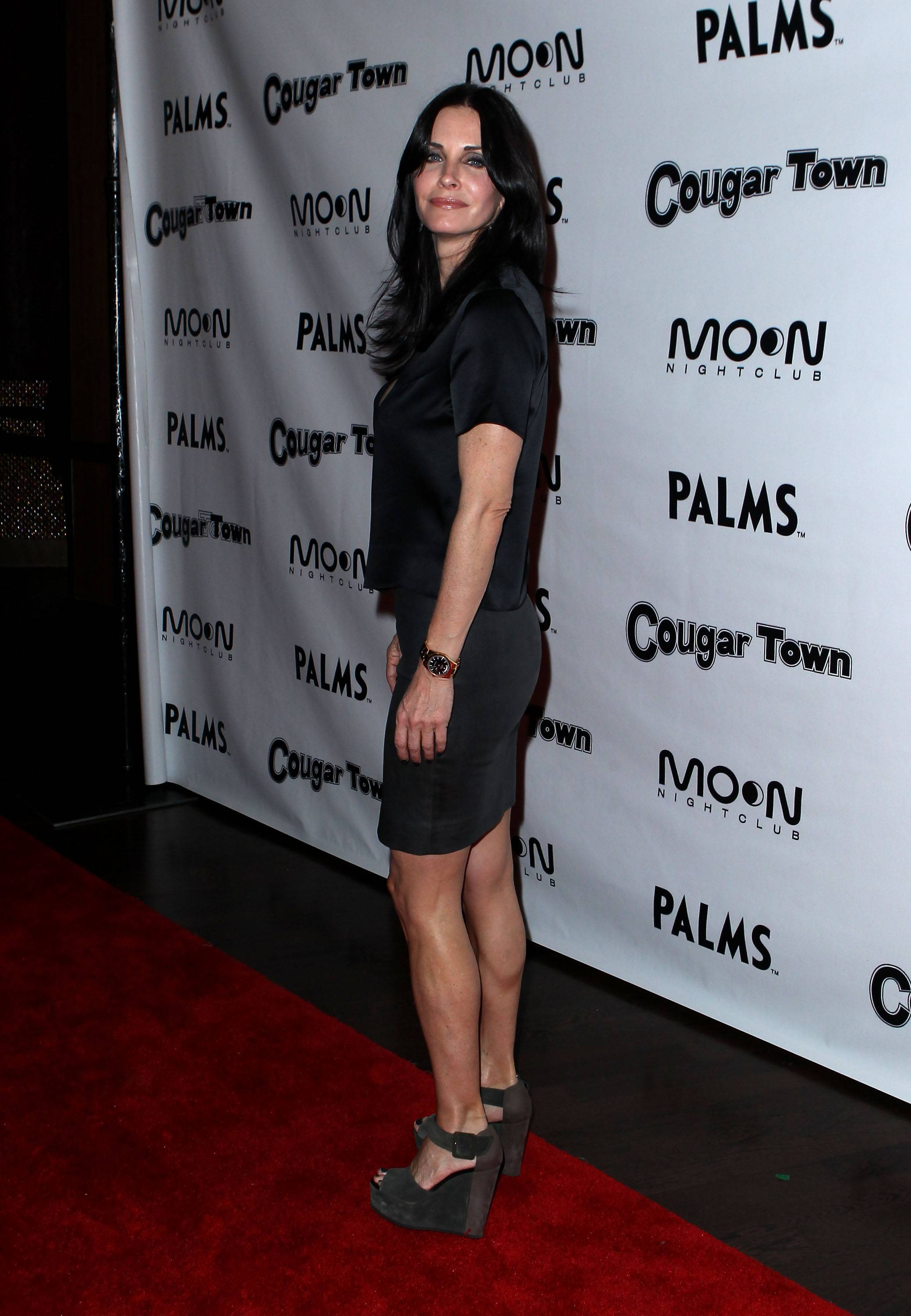Courteney Cox hot ass picture