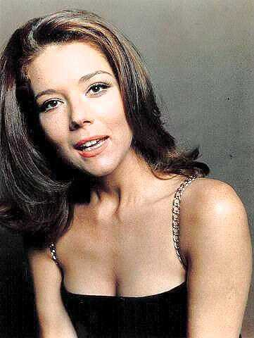 Diana Rigg sexy cleavage (2)