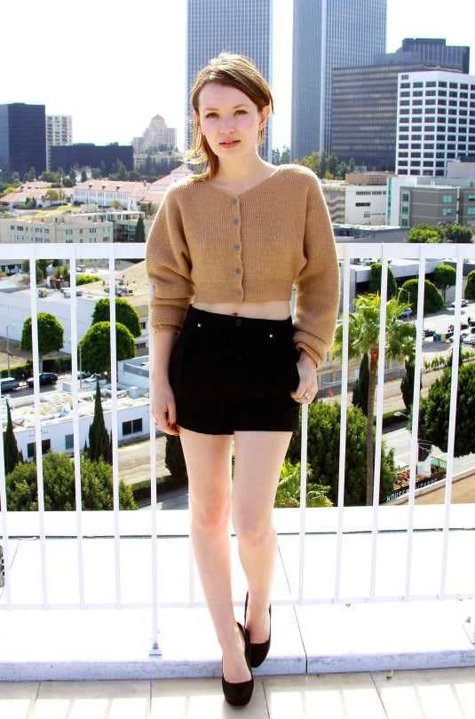 Emily Browning hot pictures (2)