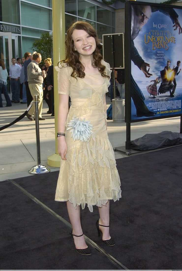 Emily Browning sexy pictures (7)