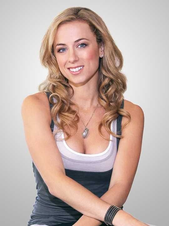Iliza Shlesinger boobs pictures (2)