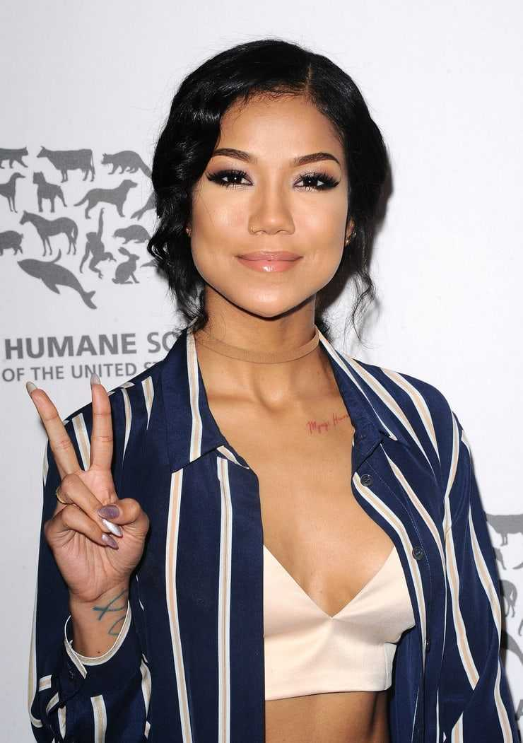 Jhene Aiko hot pictures