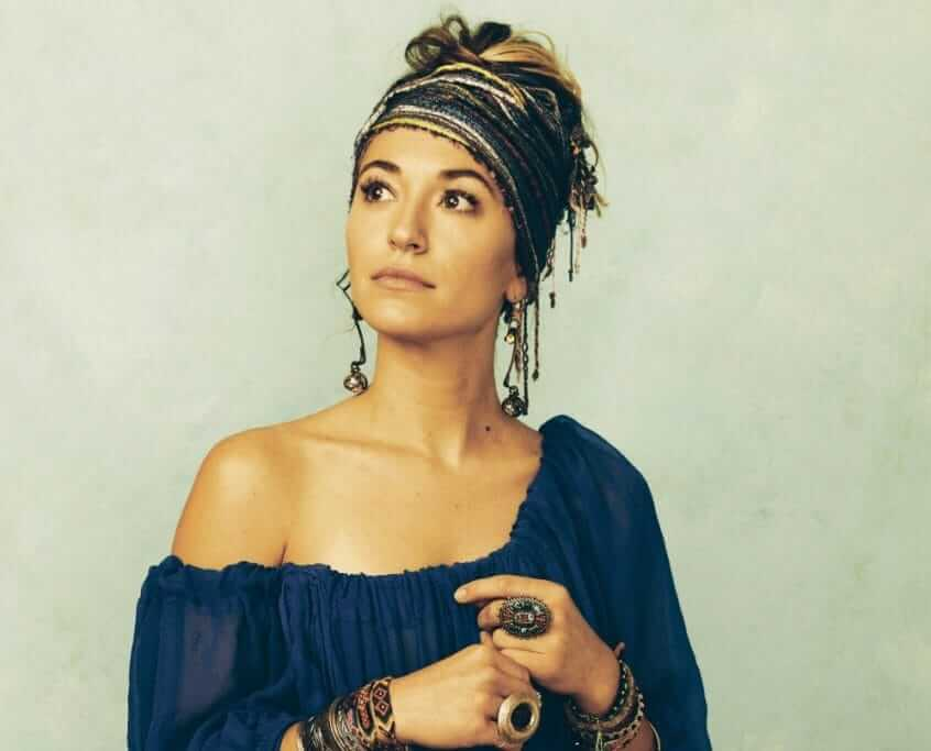 Lauren Daigle awesome