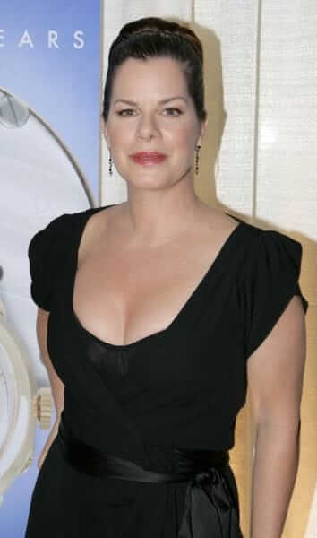 Marcia Gay Harden sexy cleavage pics