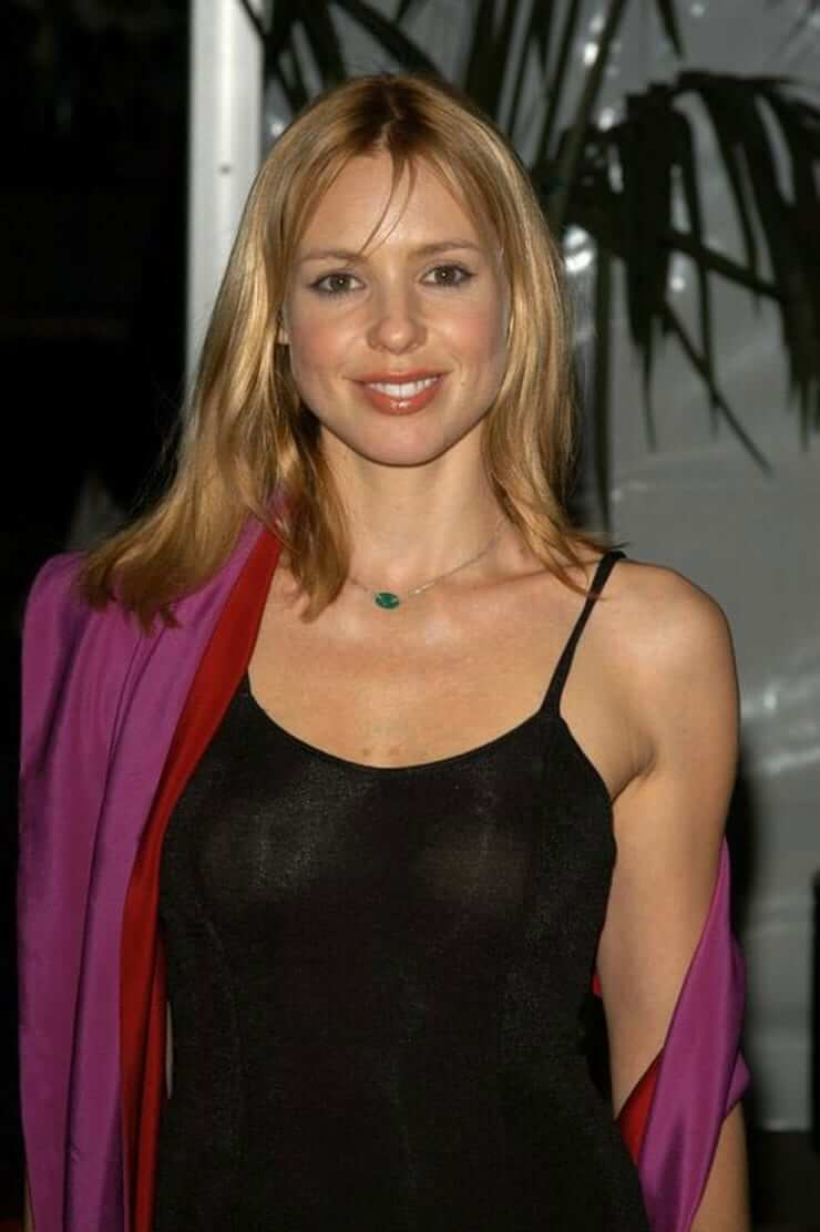 Olivia d'Abo awesome pic (2)