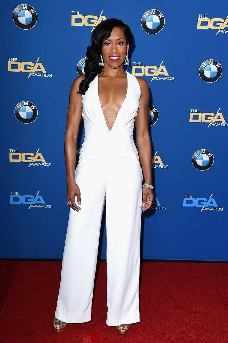 Regina King hot cleavage image