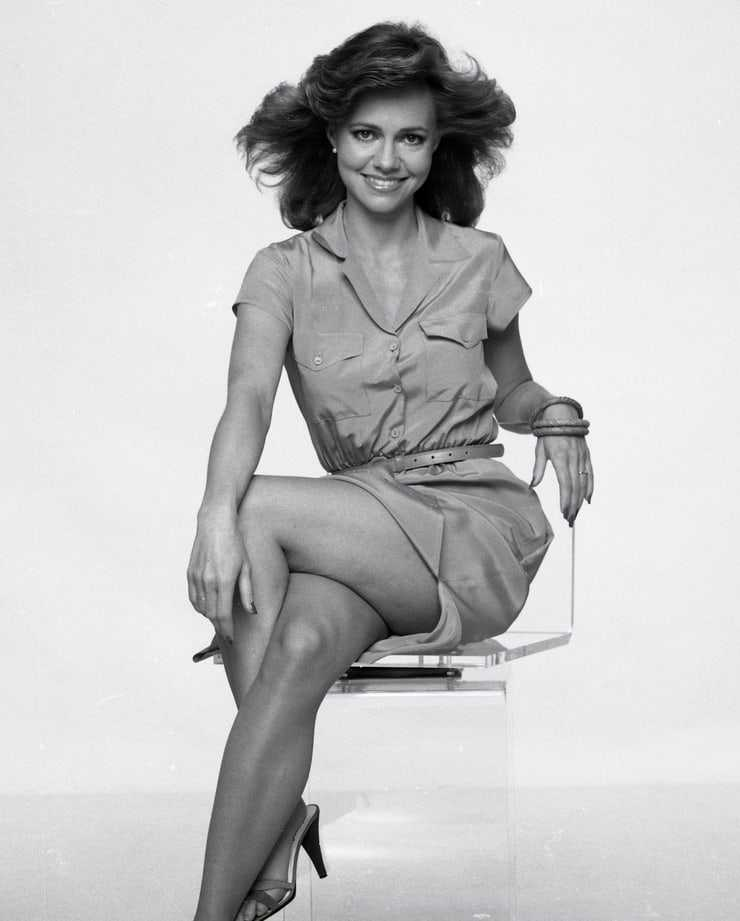 Sally Field sexy thigh pics
