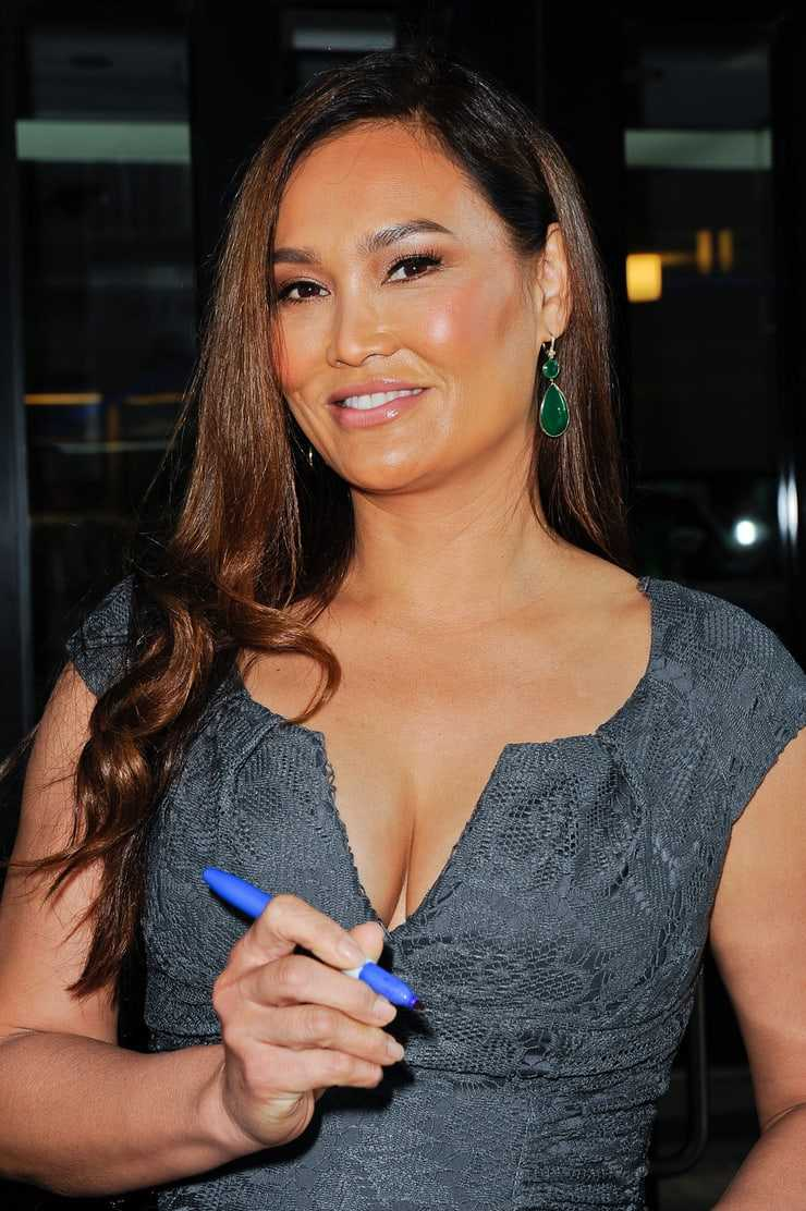 Tia Carrere sexy look pic (1)