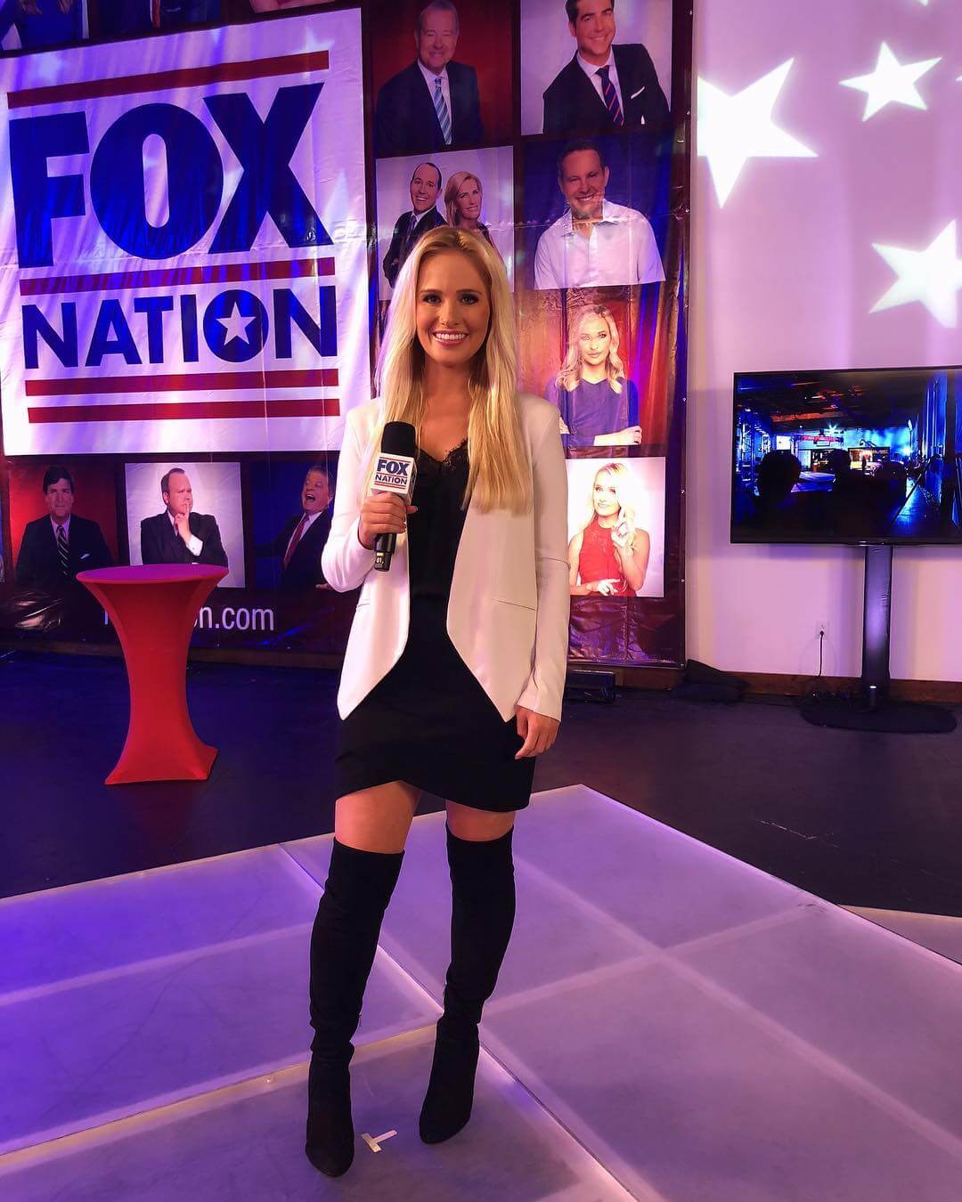 Tomi Lahren sexy boot pics