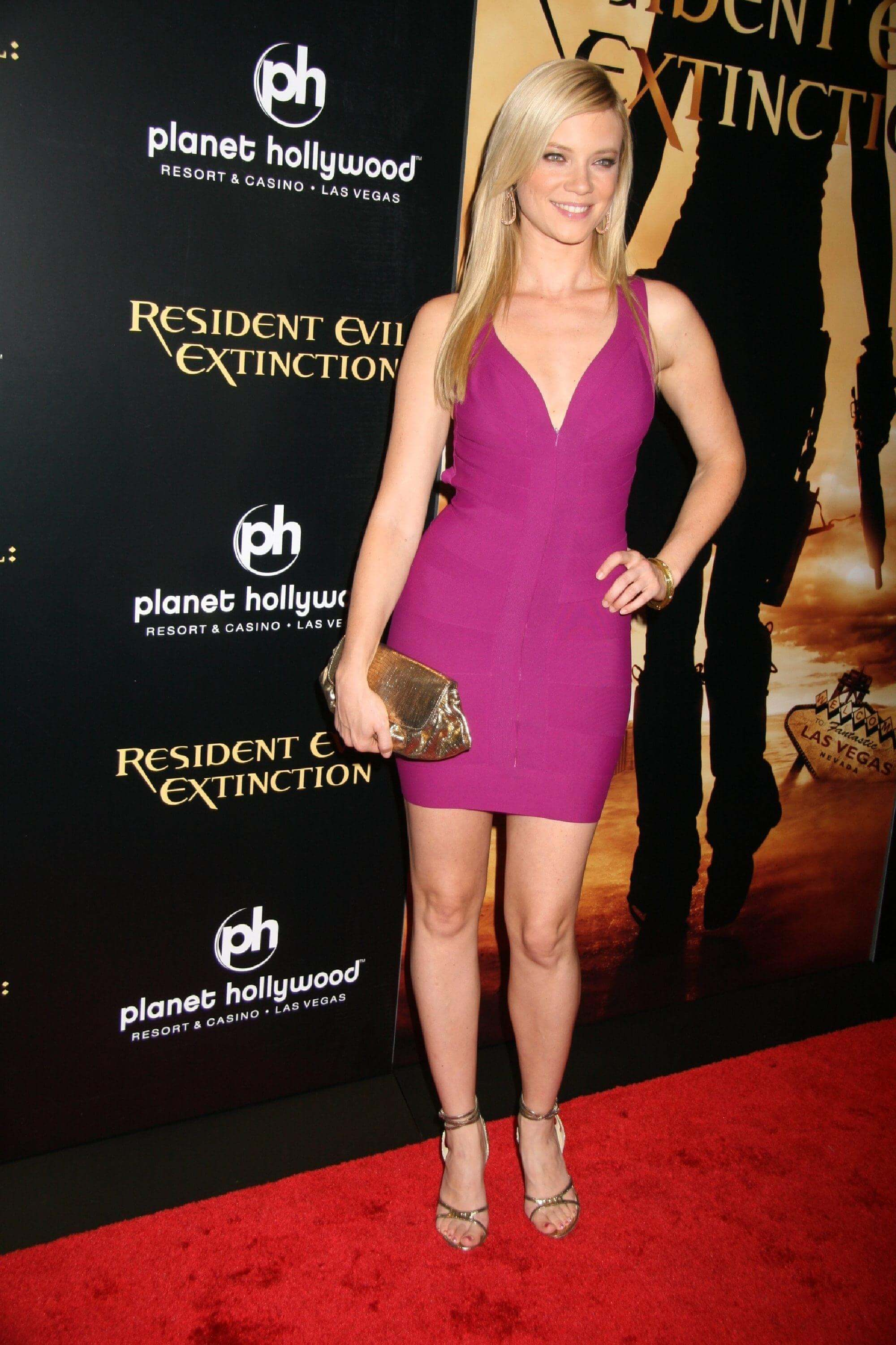 Amy Smart Hot Images 49 sexy amy smart feet pictures will make you go crazy for