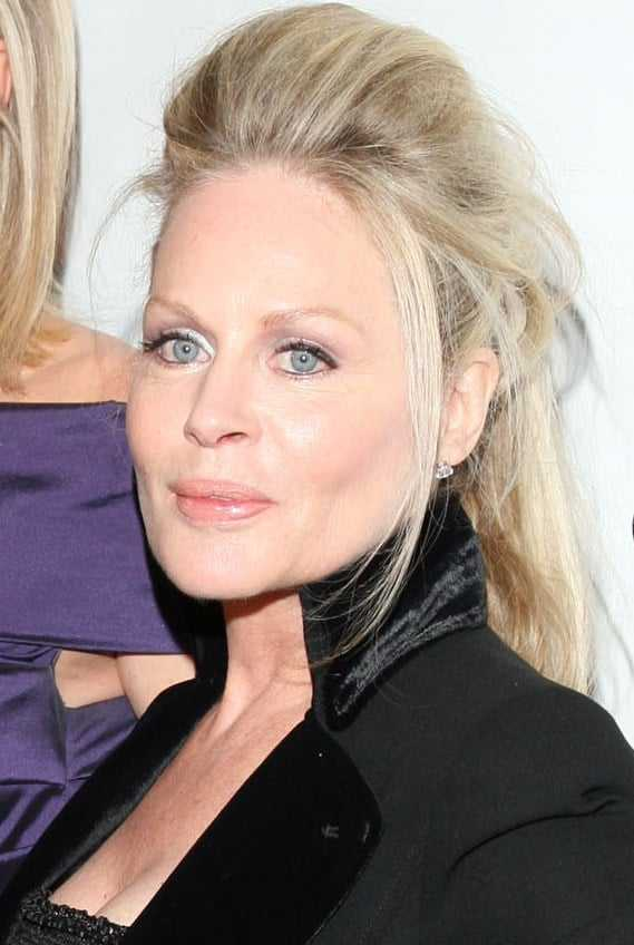 60+ Hot Pictures Of Beverly DAngelo Which Will Make You