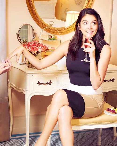 cecily strong hot thigh