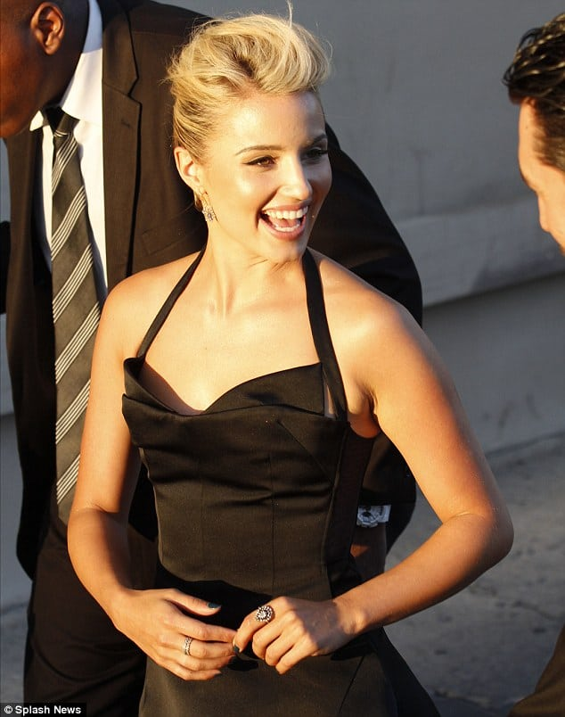 dianna agron awesome pic