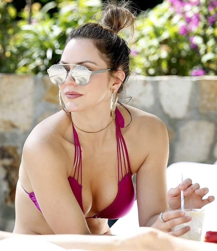 katharine mcphee cleavage photo