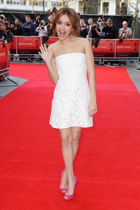 olivia cooke feet hot