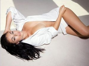 49 Hottest Serinda Swan Big Butt Pictures Will Make You Forget Your Girlfriend