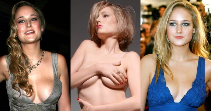 49 Sexy Leelee Sobieski Boobs Pictures Will Make You Crazy About Her