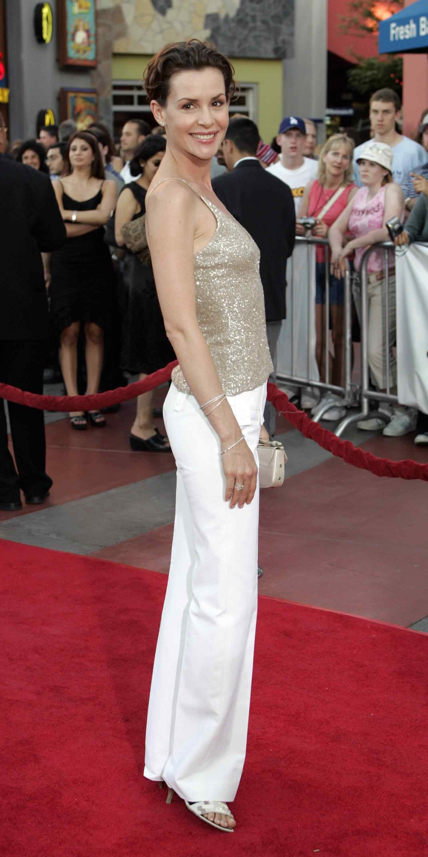 Embeth Davidtz Californication 30 hot pictures of embeth davidtz will make your pray her