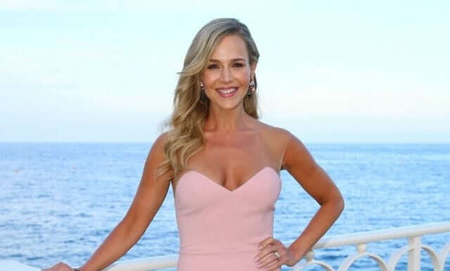 Julie Benz awesome pics