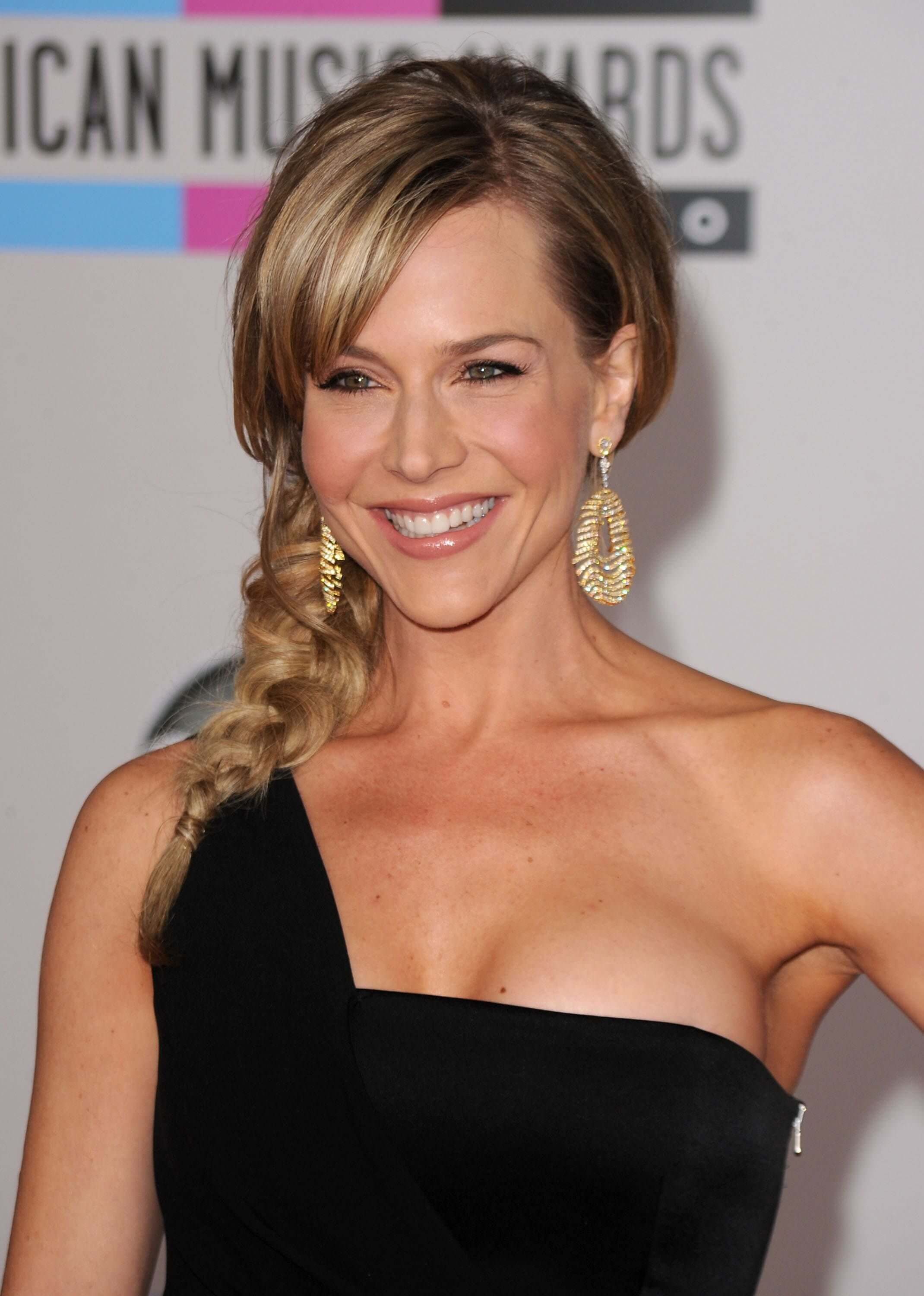 Julie Benz awesome pictures