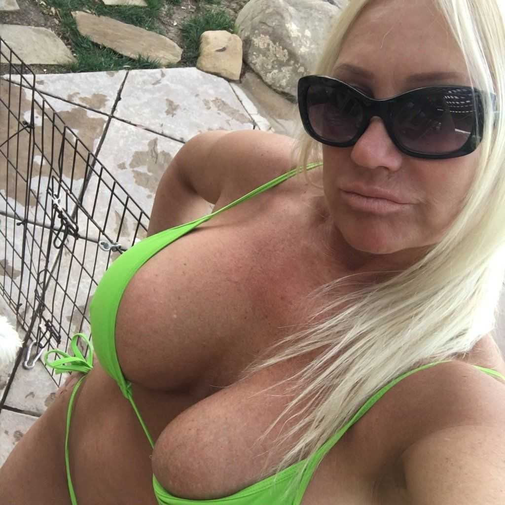 Linda Hogan big boobs (2)