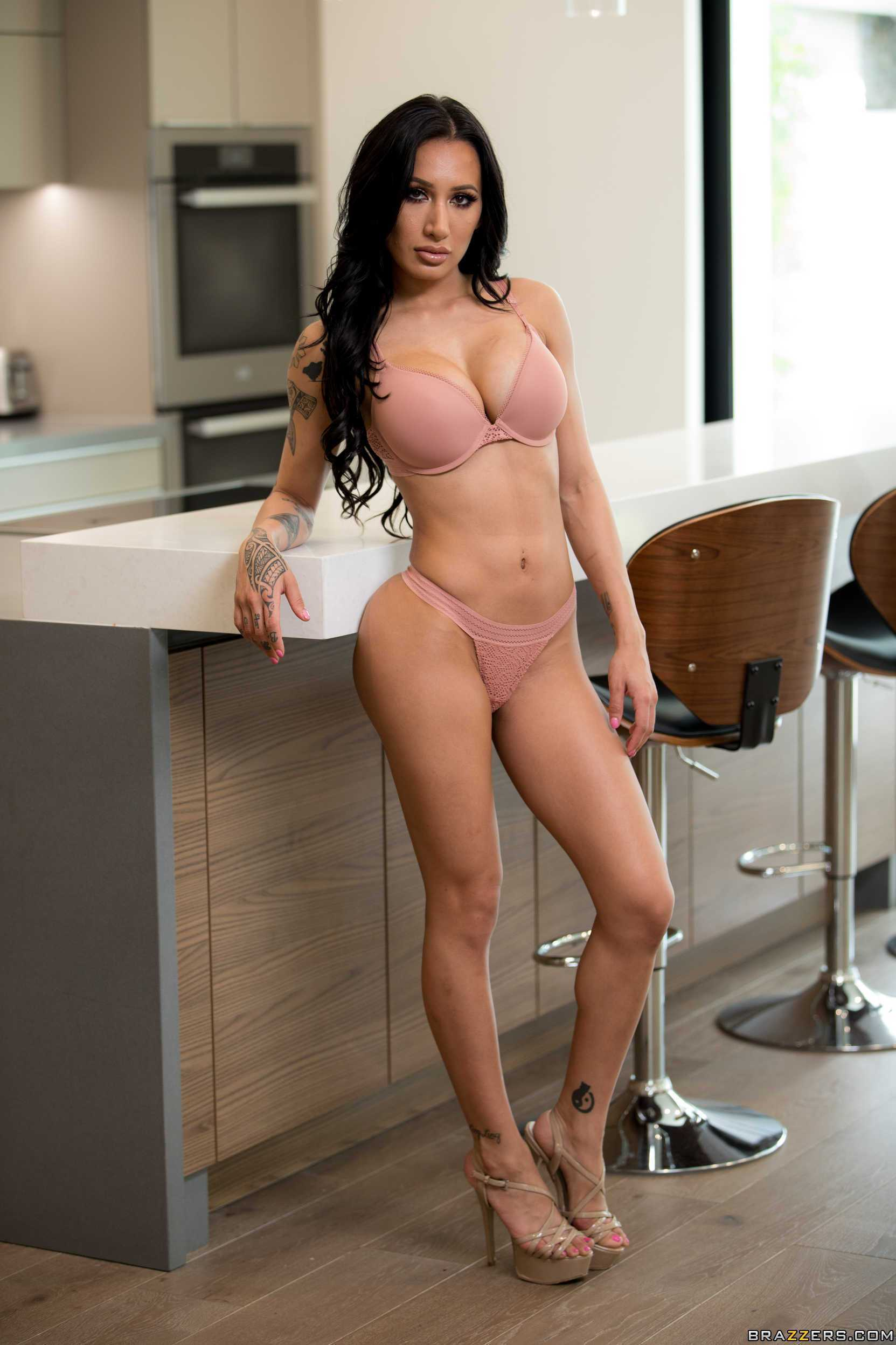 Amia Miley Nude 49 hot pictures of amia miley will prove that she is a goddess