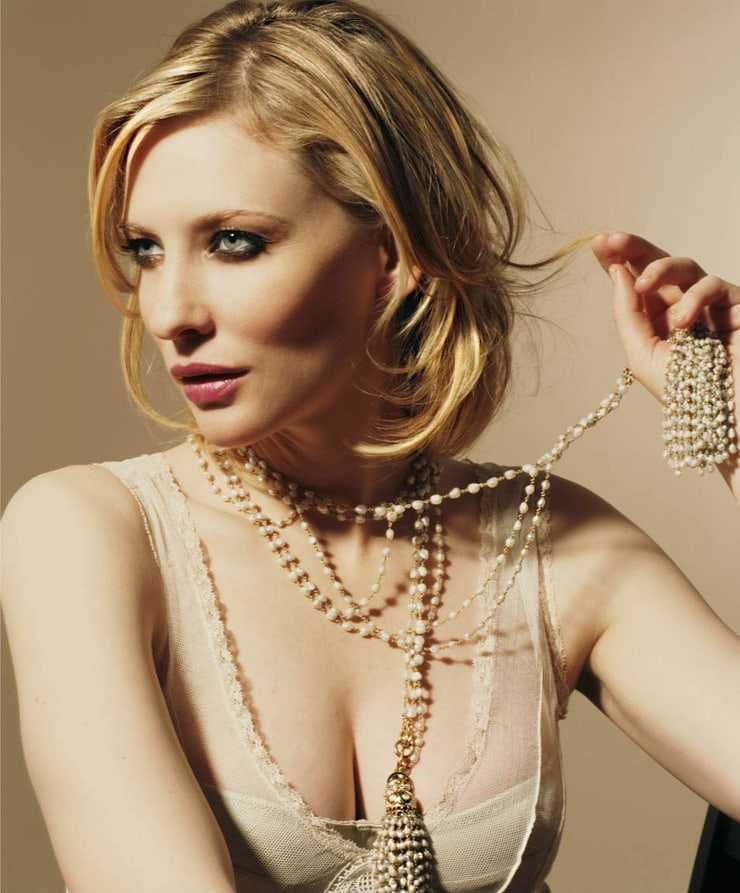 Cate Blanchett hot big boobs pictures (2)