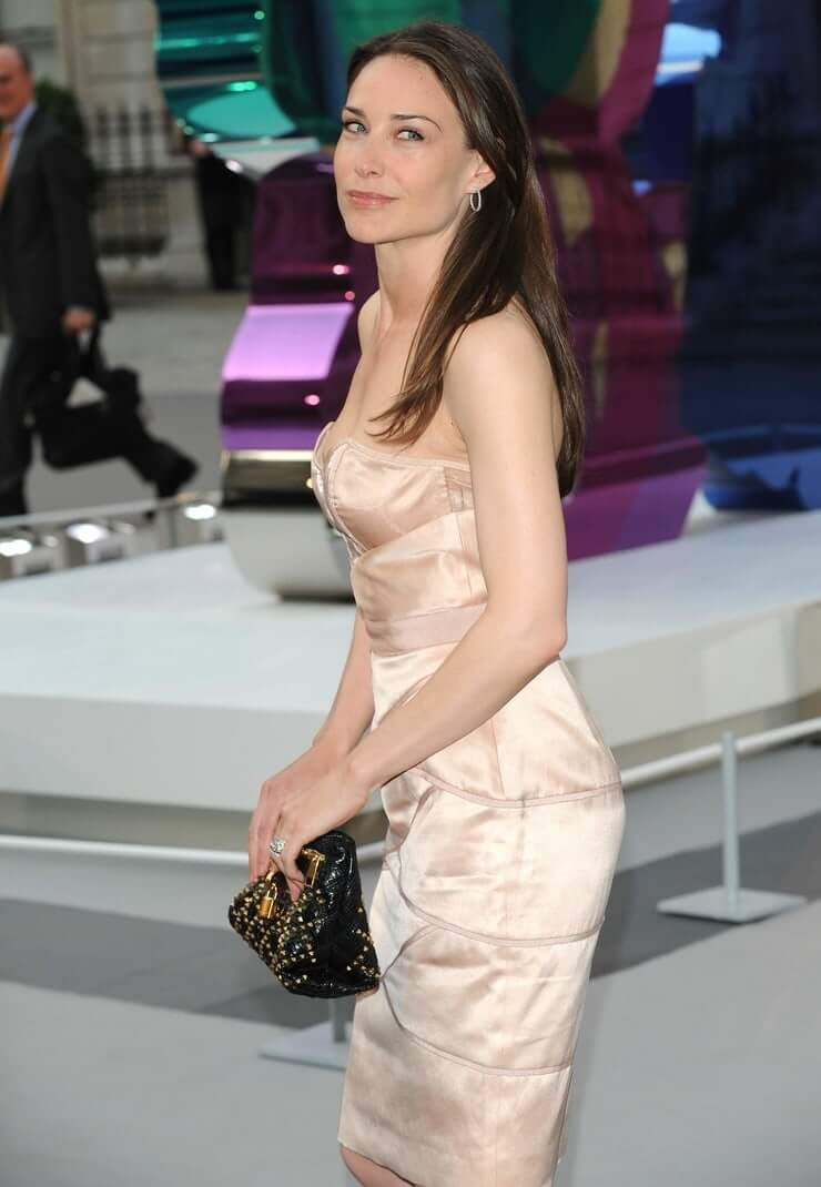 Claire Forlani hot ass (2)