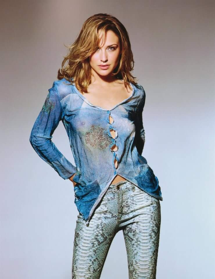Claire Forlani hot photo