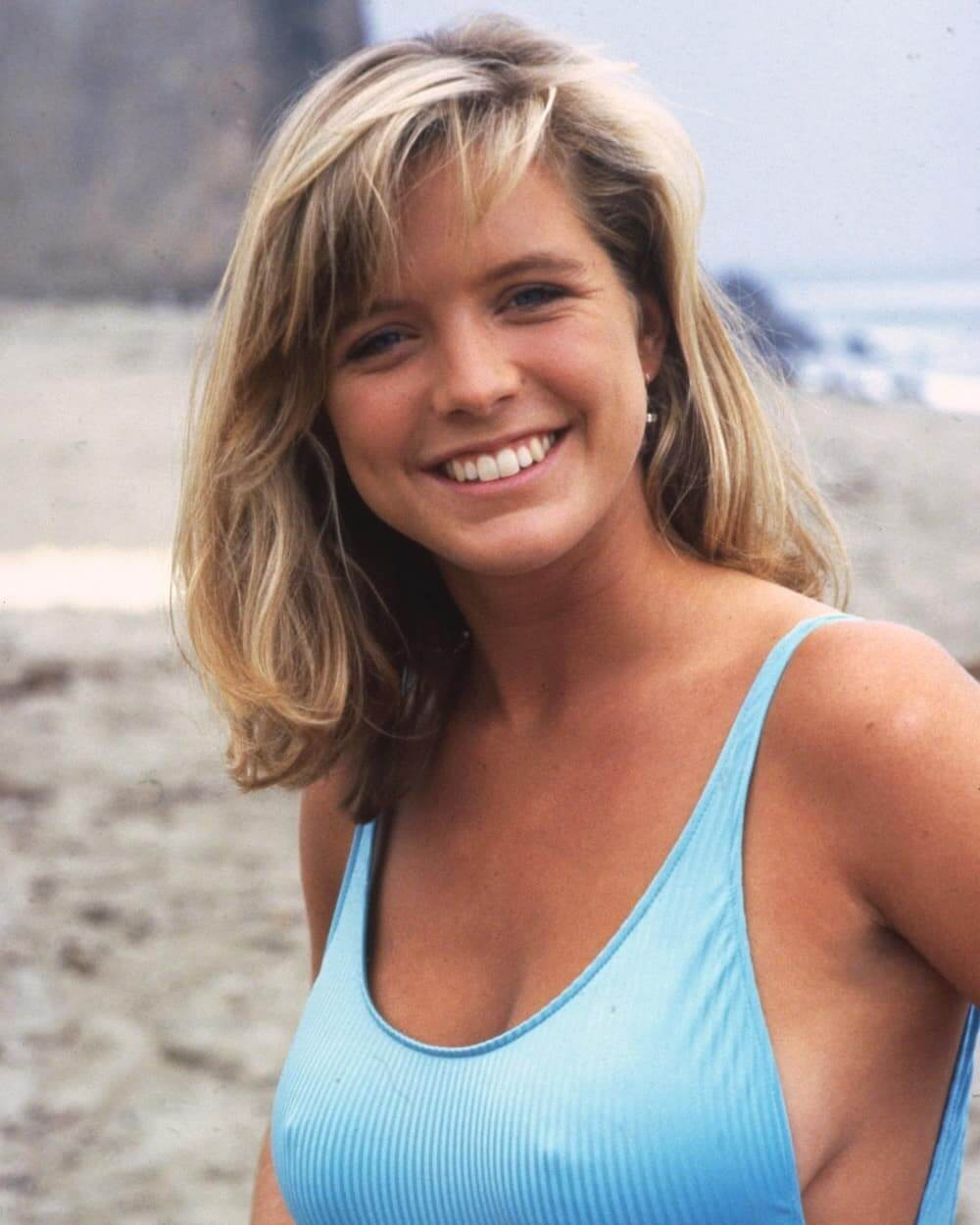 Courtney thorne-smith boobs