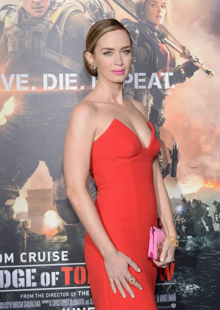 Emily Blunt hot side picture