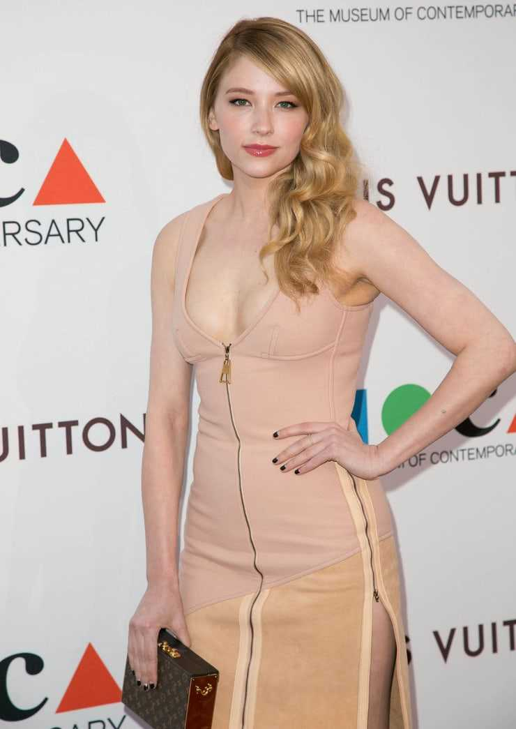 Haley Bennett amazing pictures
