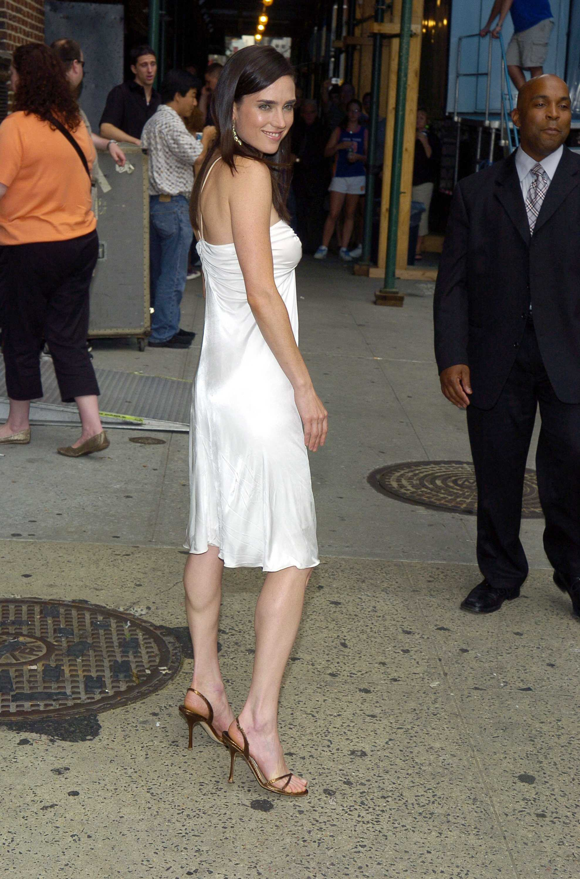 Jennifer Connelly sexy side butt pictures