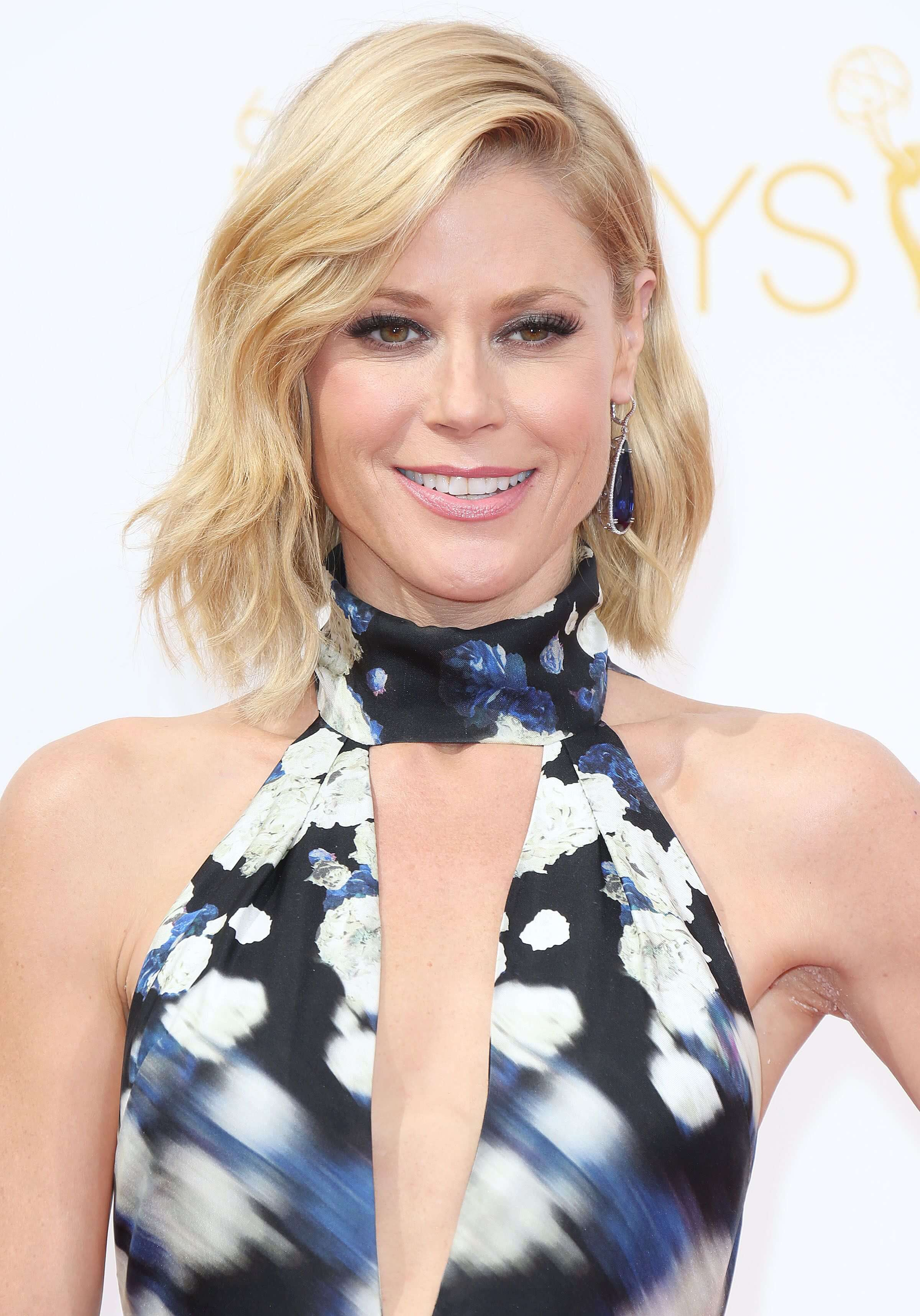 Julie Bowen smile