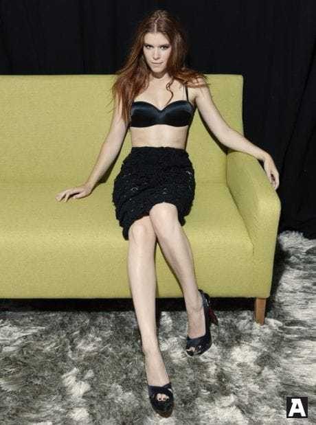 Kate Mara hot black dress pictures