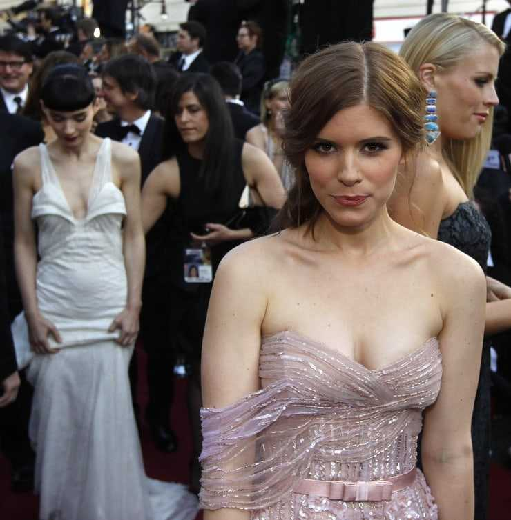 Kate Mara hot tits pictures