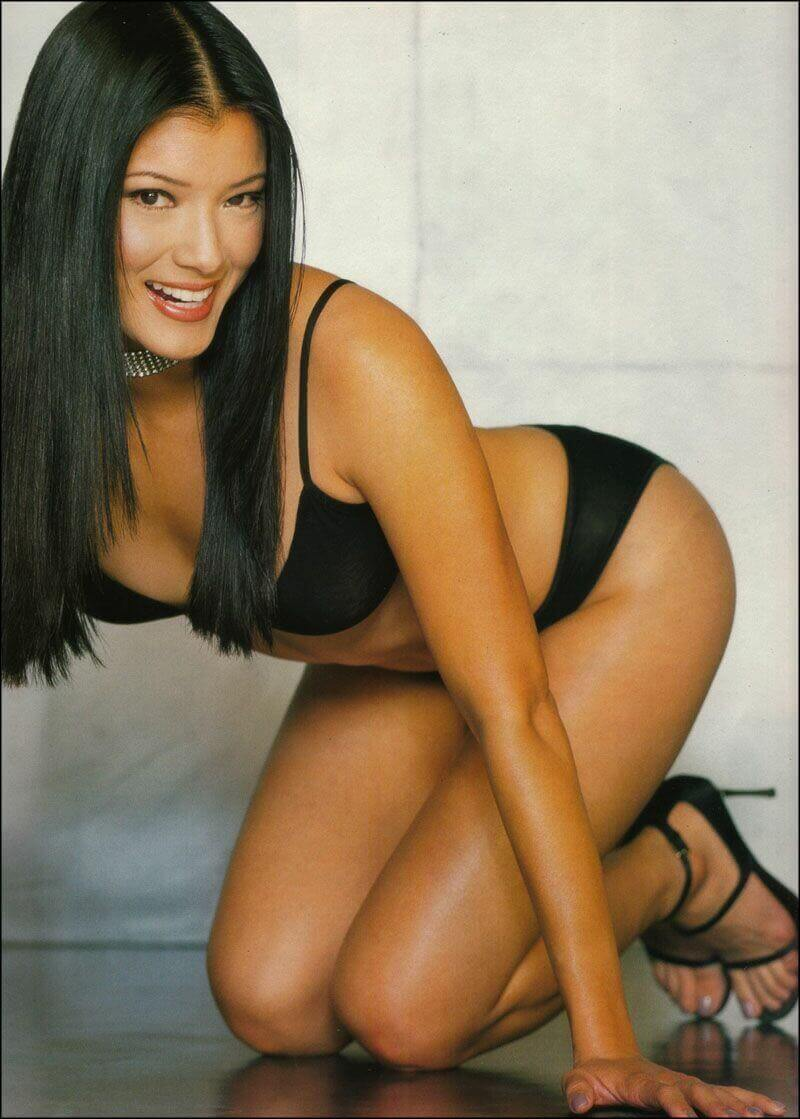 Kelly-Hu-hot-look-2