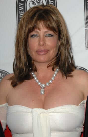 Kelly LeBrock sexy picture