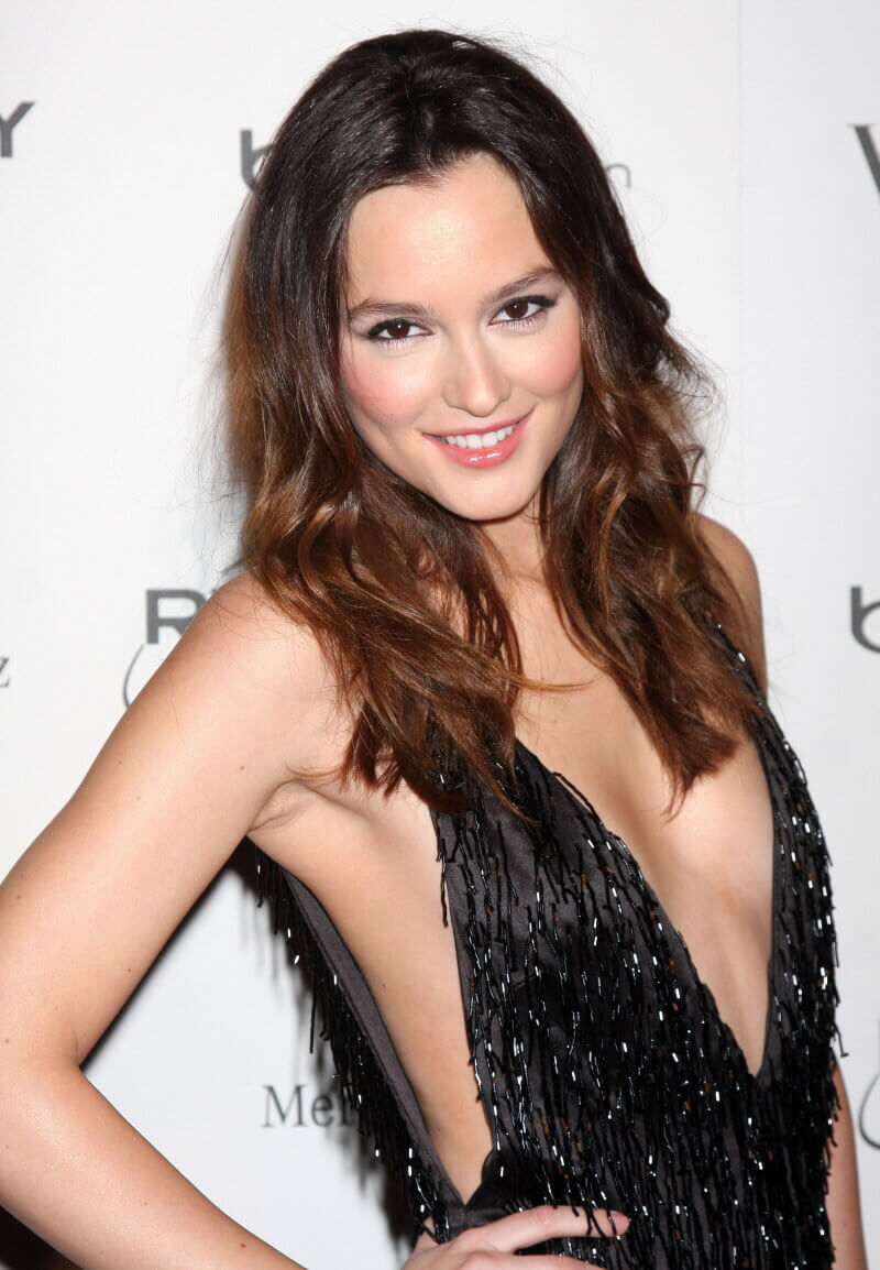 Leighton-Meester-cleavage-photo