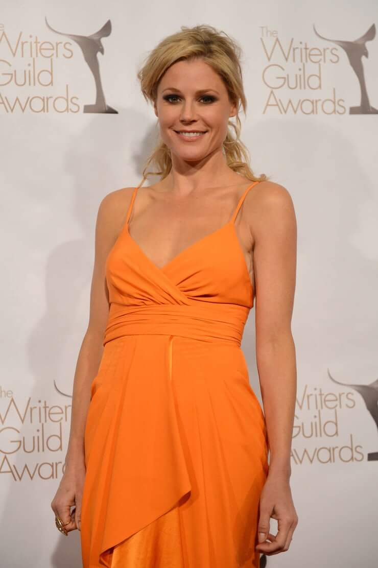 61 Hottest Julie Bowen Boobs Pictures Will Make Your Pray Her like Goddess | Best Of Comic Books