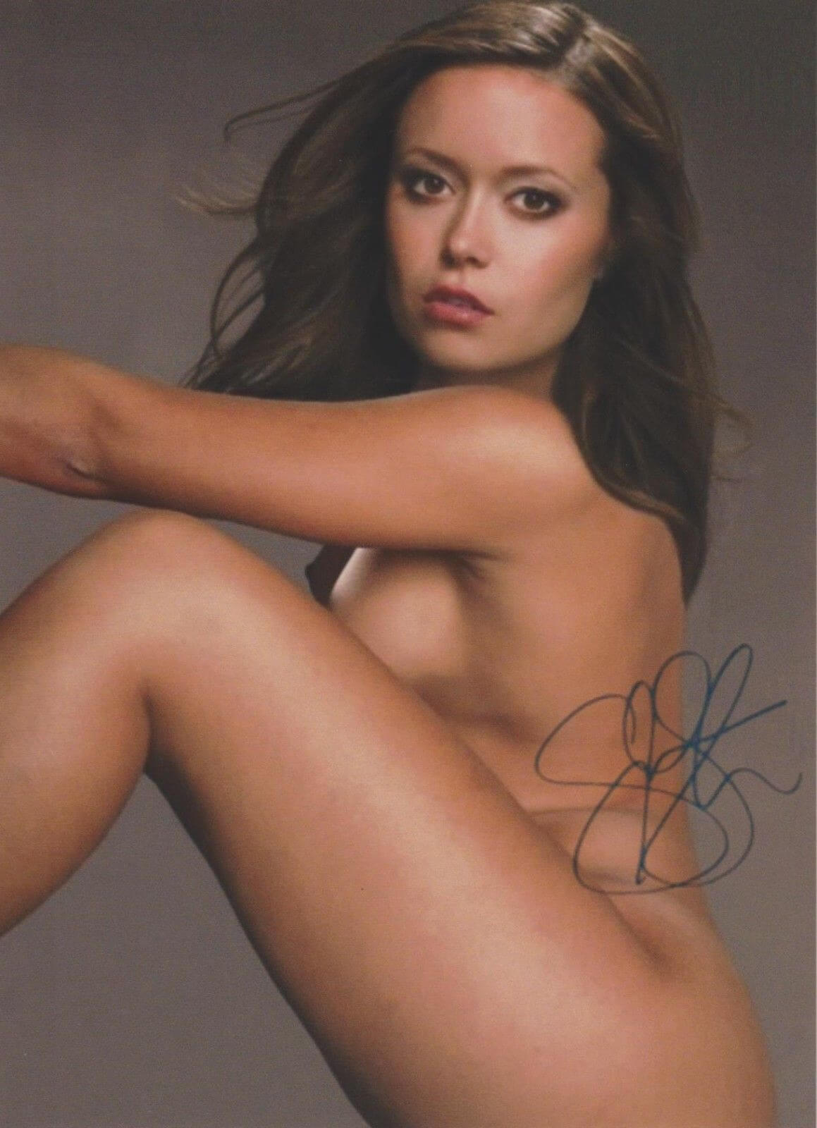 Hottest Summer Glau Boobs Pictures Proves She Is A Shining