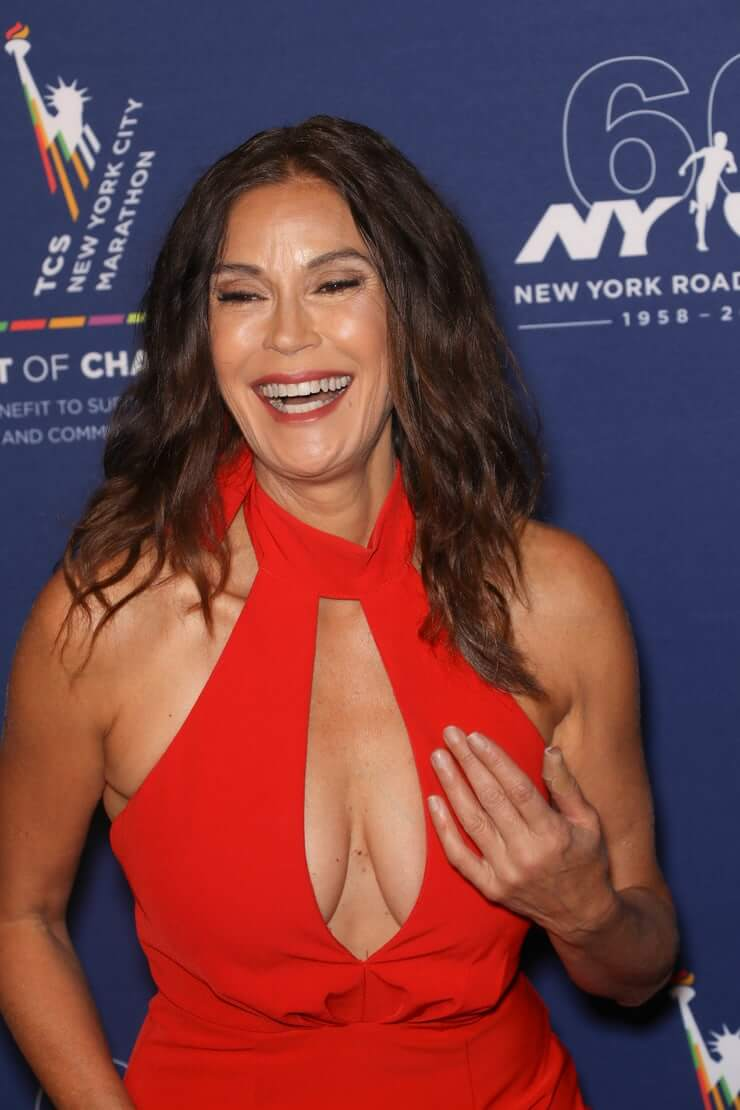 Image result for teri hatcher cleavage