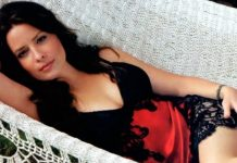 62 Holly Marie Combs Sexy Pictures Will Drive You Nuts For Her