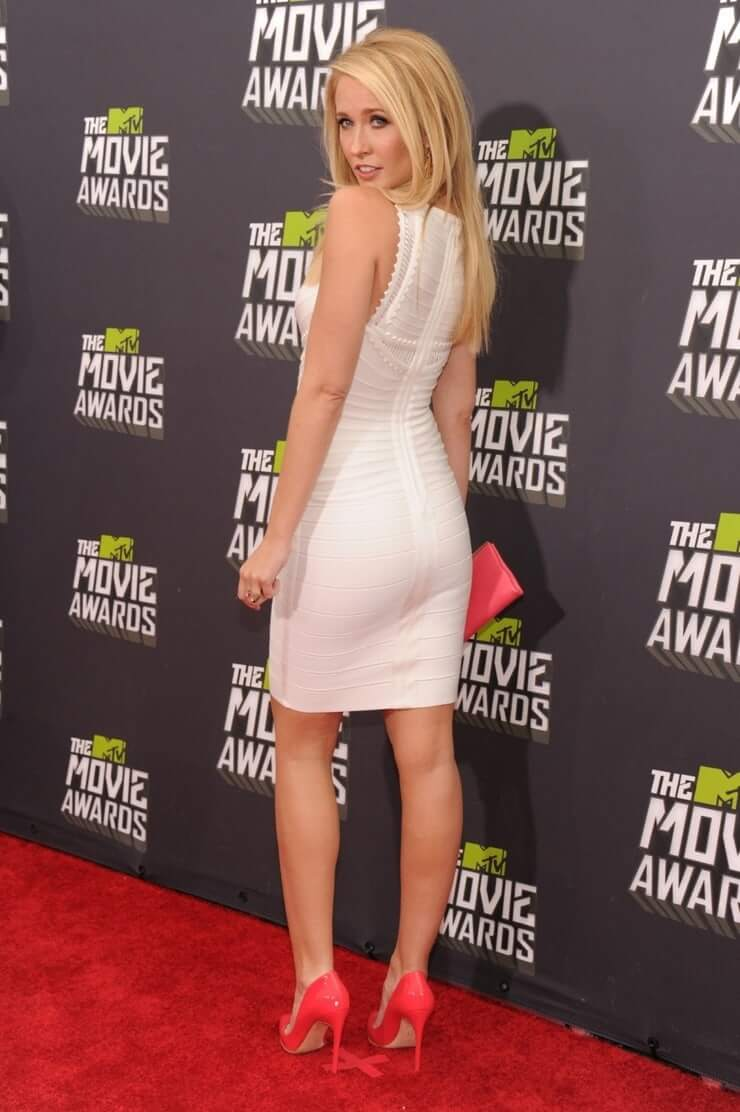 49 Hottest Anna Camp Big Butt Pictures Proves She Has Best Body In