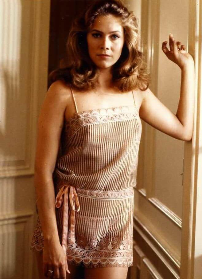 49 Kathleen Turner Sexy Pictures Will Take Your Breathe