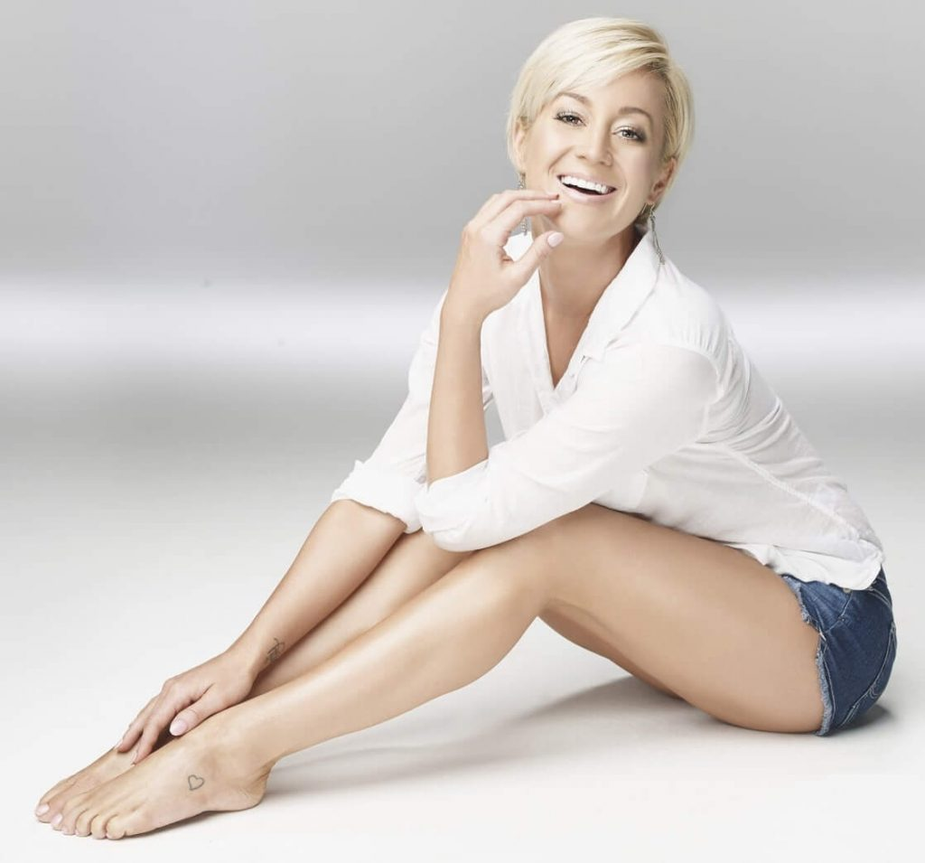Sexiest pictures of kellie pickler #8