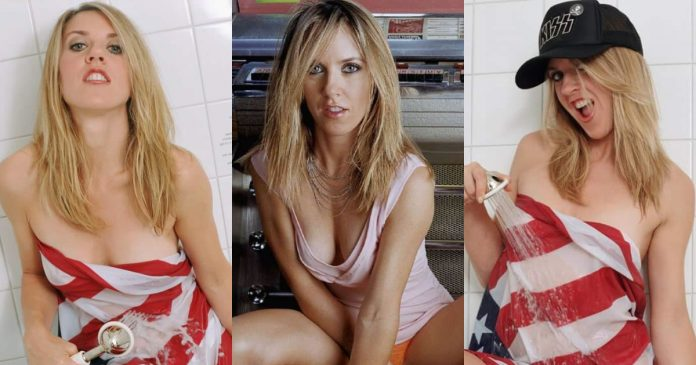49 Hottest Liz Phair Big Boobs Pictures Are Simply Excessively Damn Hot