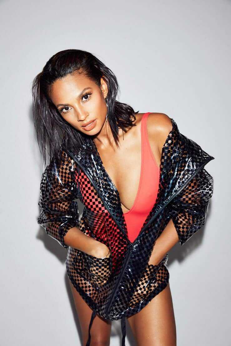 Alesha Dixon hot cleavage (2)