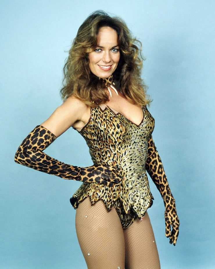Catherine Bach sexy thighs (2)