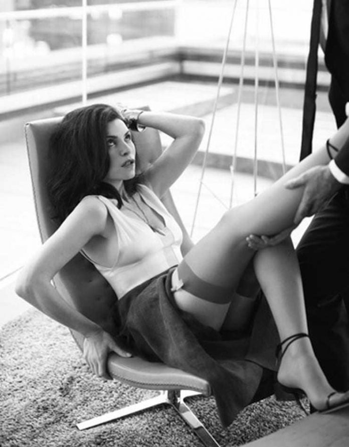 Julianna margulies naked mobile optimised photo for android iphone
